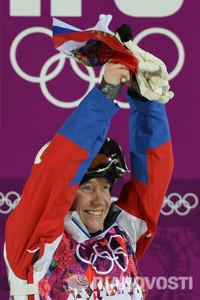 А. Смышляев завоевал бронзовую медаль в соревнованиях по могулу. Фото РИА Новости