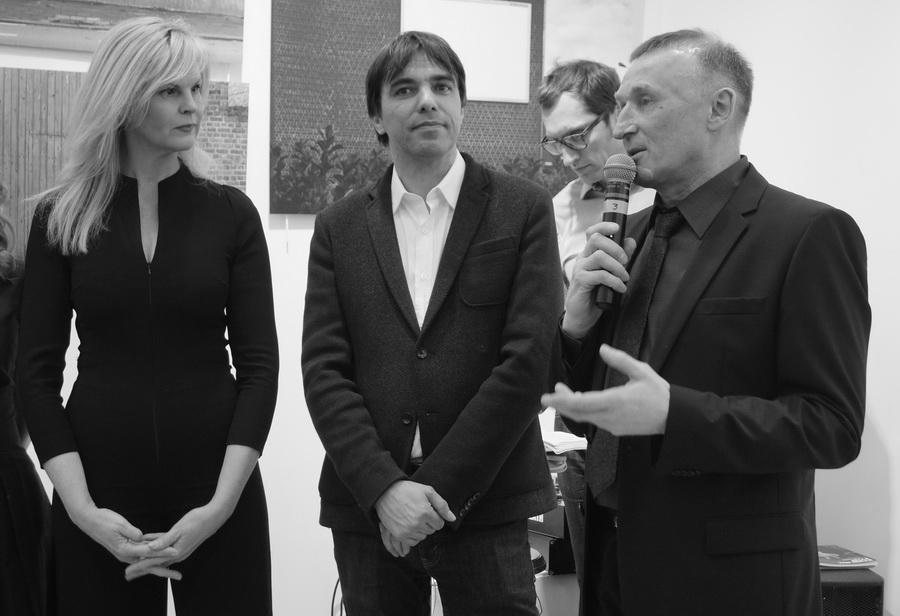 Слева направо: фотограф Pascale Dobbelaere, куратор бельгийской галереи Shakalaka Peter Monbailleu и руководитель проекта Владимир Чикин