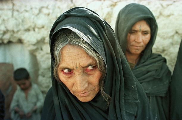 Пожилая женщина. Фото Александра Булла (Alexandra Boulat)