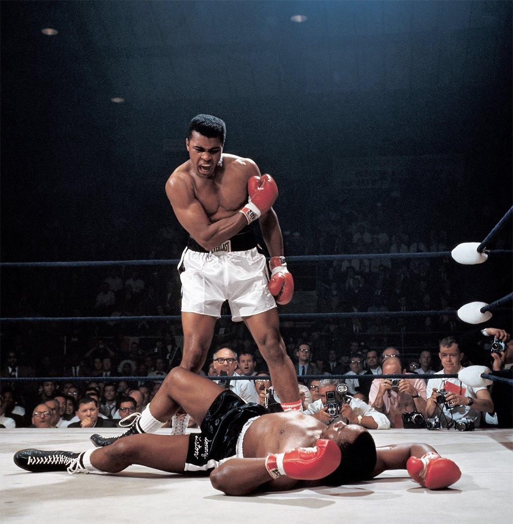 Мохаммед Али после нокаута Сонни Листона. 1965 год. Нил Лейфер