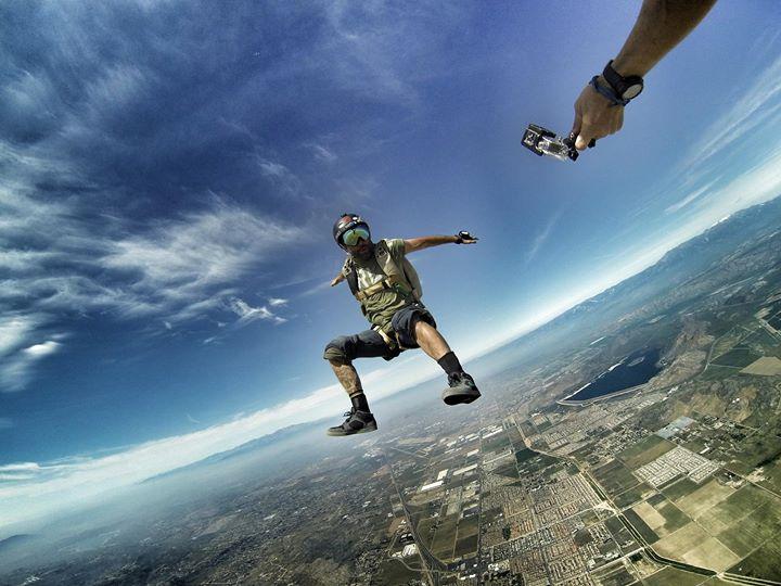 Съемка в небе.  Фото: Travis Fienhage