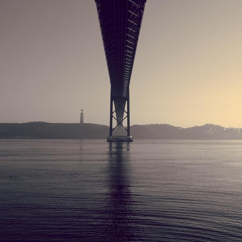 "Я строю мысленно мосты, Их измерения просты, Я строю их из пустоты, Что бы идти туда, где ты. Мостами землю перекрыв, Я так тебя и не нашел, Открыл глаза, а там... обрыв, Мой путь закончен, я - пришёл. / ""Мосты"" Валентин Гафт ---------- Mentally I build bridges, Their measurements are simple, I build them out of the void, In order to go where you are. Having blocked the land with bridges, I didn't find you. I opened my eyes... and saw the fall, My way is over, I returned. / ""Bridges"" Valentin Gaft"