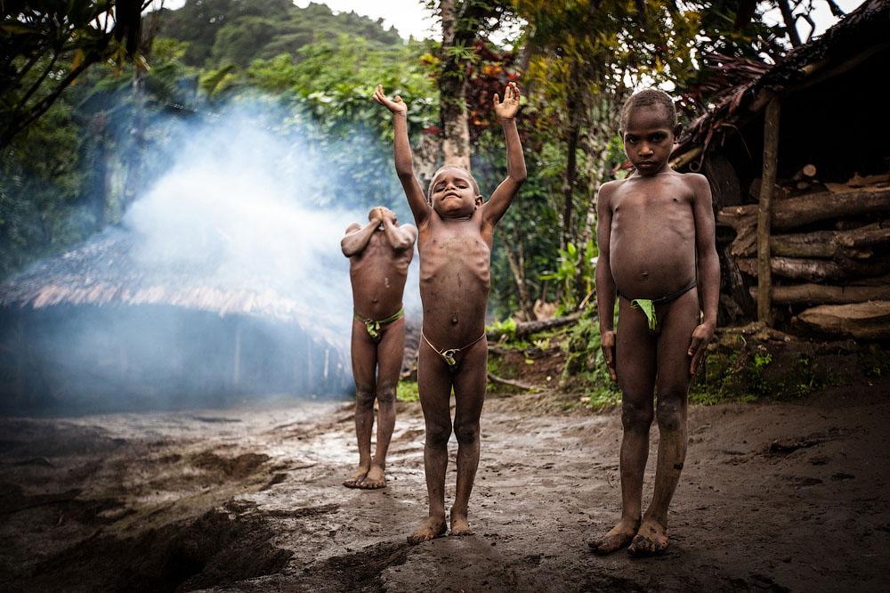 Дети из племени саа. Место съёмки: Ратап, Вануату. Номинация: National Awards, Франция, 3 место. (Valerie Labadie/2014 Sony World Photography Awards)