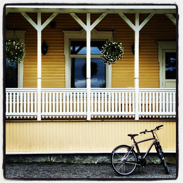 велосипед у фасада, instagram фото