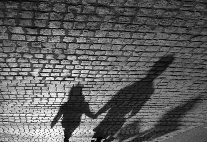 Тени, стрит фотография, Москва.   Тестовые фото Sony 7