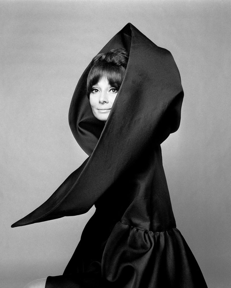Фото: Gian Paolo Barbieri, Audrey Hepburn per Valentino, Vogue Italia, Roma 1969,, Courtesy Artistocratic