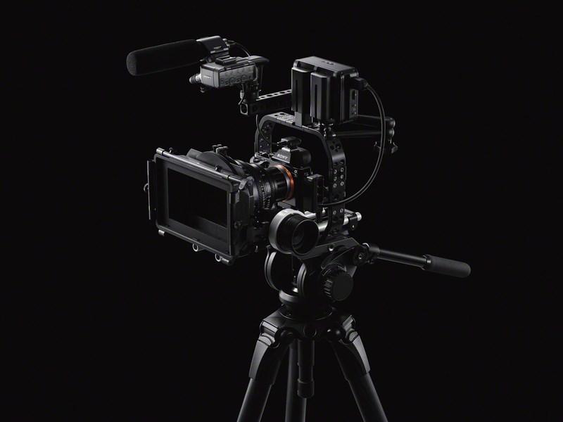 Полнокадровая беззеркальная камера Sony α7S поддерживает съемку видео 4К A7s_movie_image_01-1200