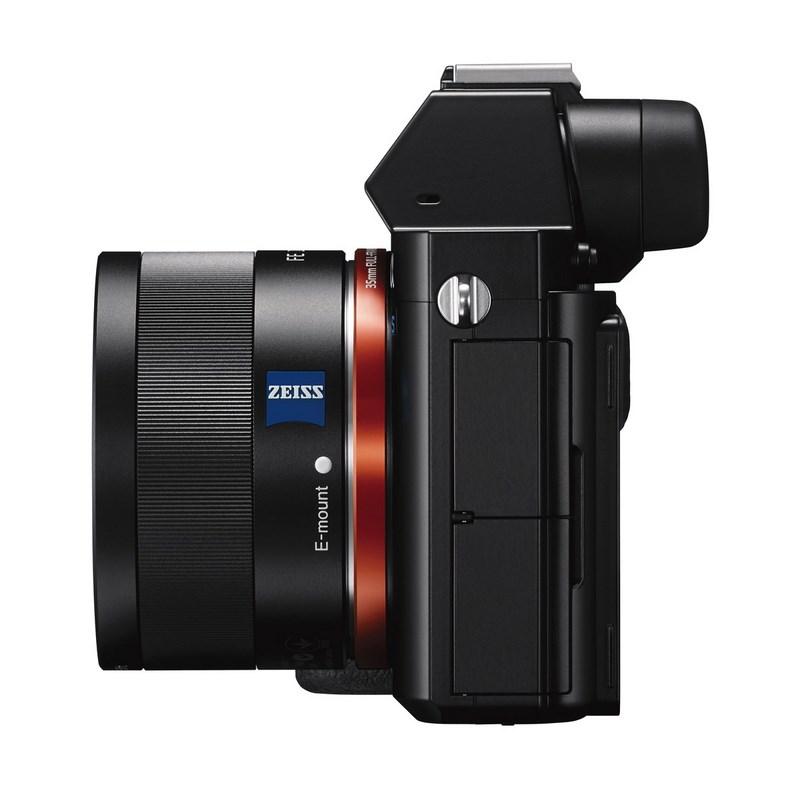 Полнокадровая беззеркальная камера Sony α7S поддерживает съемку видео 4К A7s_wvx9110_leftside-1200