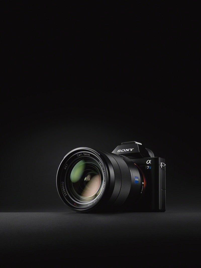 Полнокадровая беззеркальная камера Sony α7S поддерживает съемку видео 4К A7s_wvx9111_image_7-1200