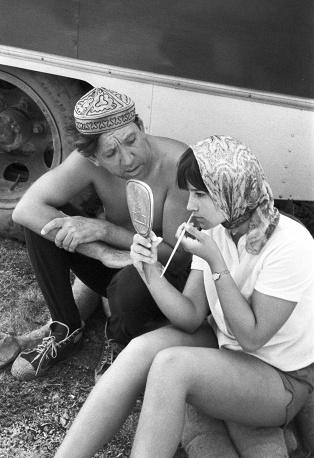 Артисты Юрий Никулин и Наталья Варлей на горе Ай-Петри перед началом съемки, 1966 год © Фотохроника ТАСС/Виталий Созинов