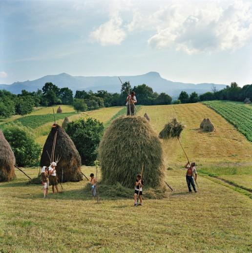 Rena Effendi, Азербайджан. Категория «People – observed portraits» (серия фотографий)