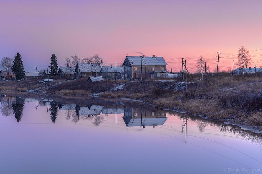 Поселок на берегу реки Мегрега, Олонецкий район, Карелия. Автор – Денис Гарипов