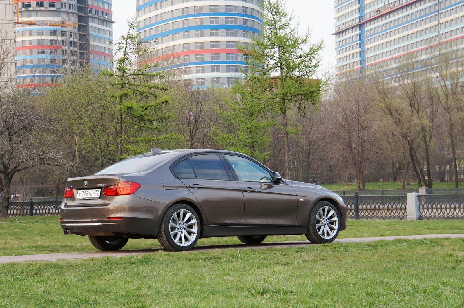 BMW 328i xDrive - салон