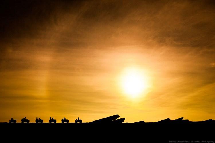 Закат на Рыбачьем полуострове.  Фото Дмитрия Чистопрудова