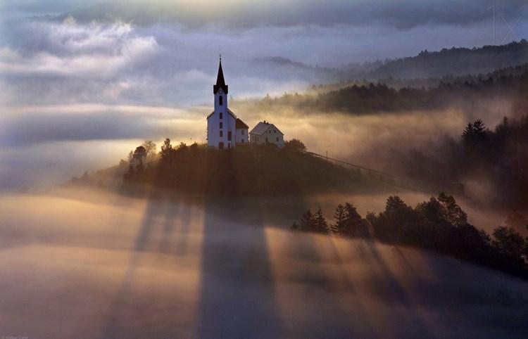 Туманные пейзажи. Фото: Matjaz Cater