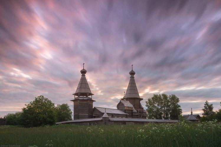 Кенозеро, церковь, вечер. Фото Даниила Коржонова