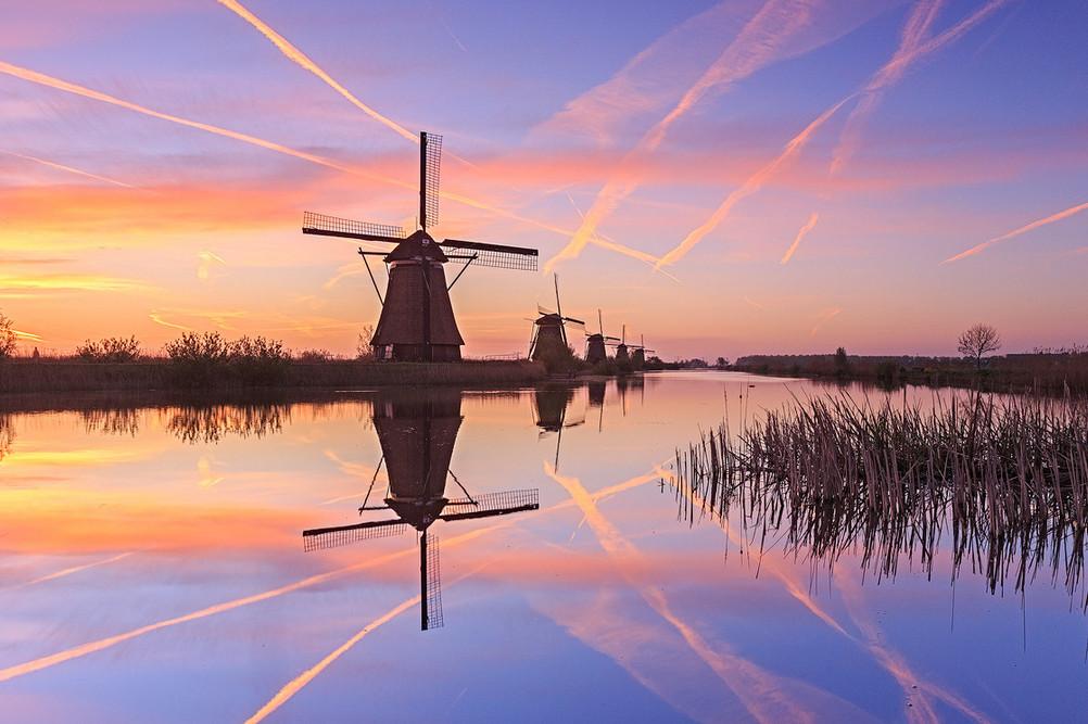 Пейзажи с мельницами. Фото: Sven Broeckx