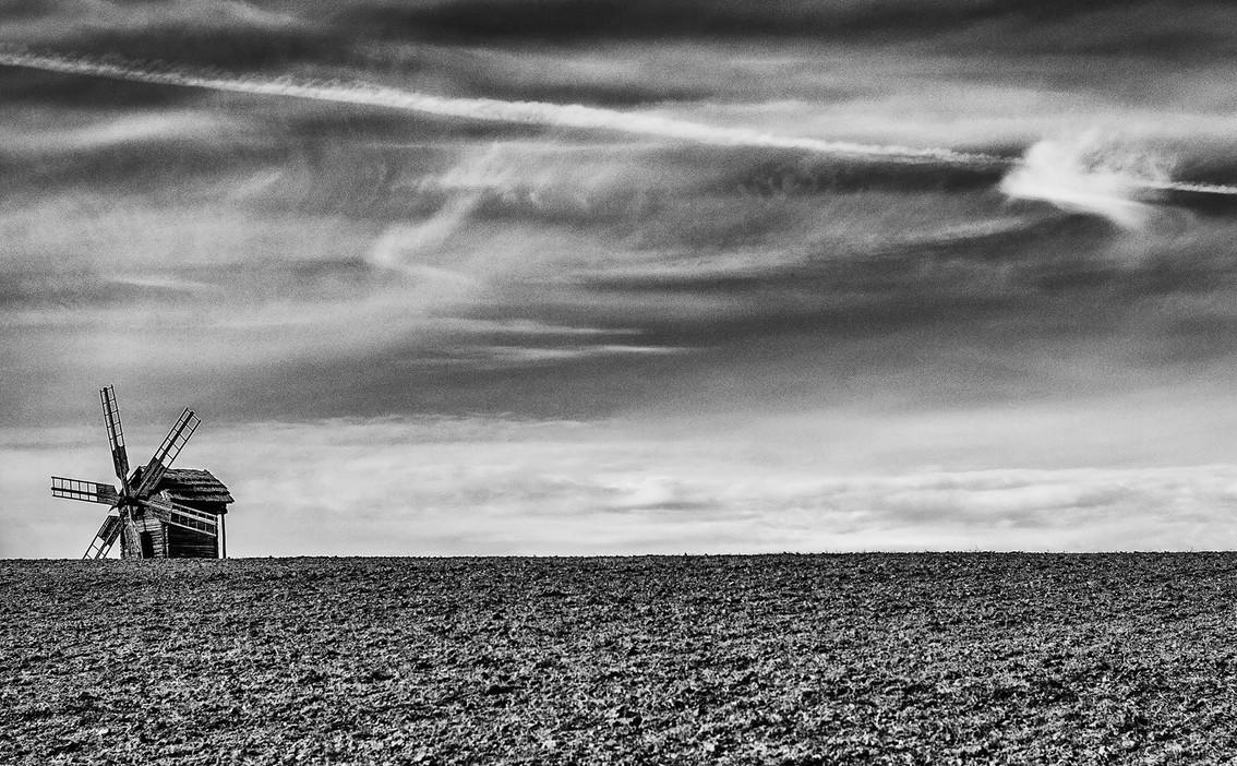 Пейзажи с мельницами. Фото: Vdq