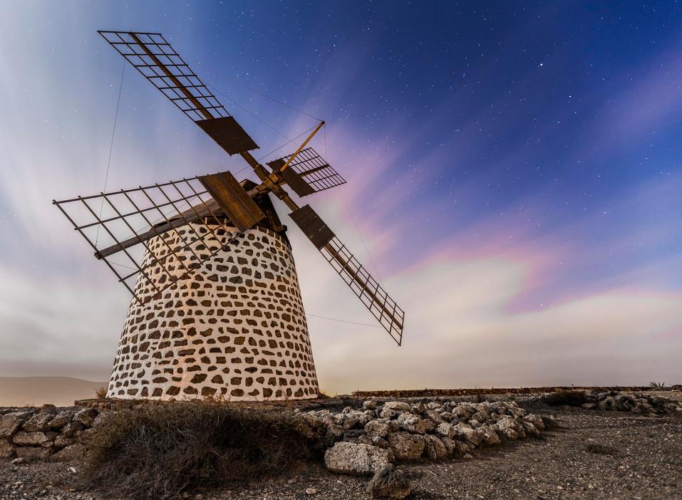 Пейзажи с мельницами. Фото: Martin Zalba