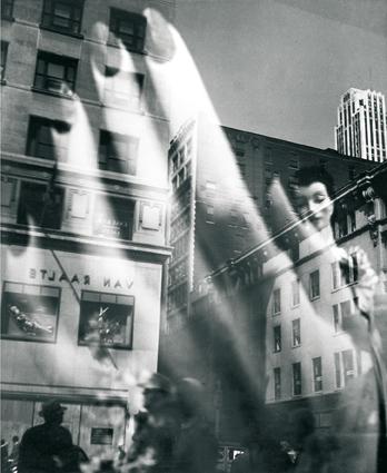 Отражения. Уличная фотография Лизетты Модел