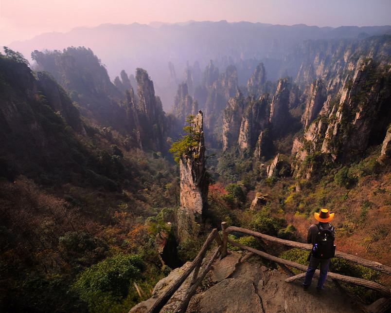 Вид со скалы. Фото: Weerapong Chaipuck