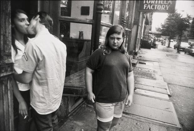 Классическая уличная фотография. Автор - Гарри Виногранд
