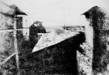 Первая в мире фотография. Гелиография Ньепса. 1826 г.