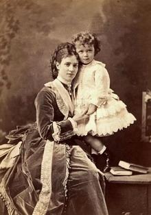 Цесаревна Мария Федоровна с сыном Ники. Сергей Левицкий.
